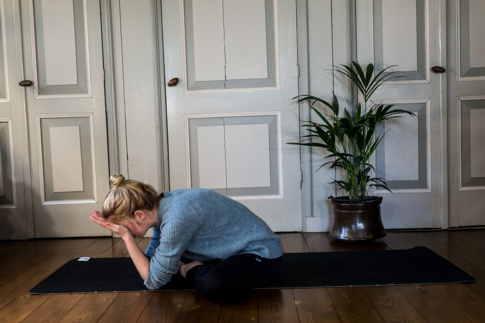 Yoga - Eye relief pose